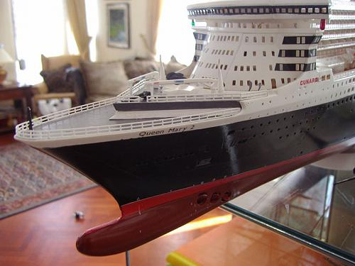 Queen Mary II 1/400-q7.jpg