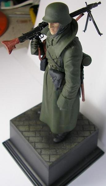 German Machine Gunner ( Tamiya 120 mm. )-6.jpg