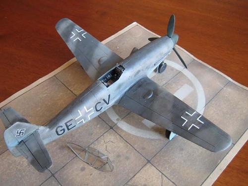 Messerschmitt Me-309 V1/V2  1/48 Czech Model -img_0418.jpg